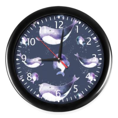 Часы Подводный узор с китами