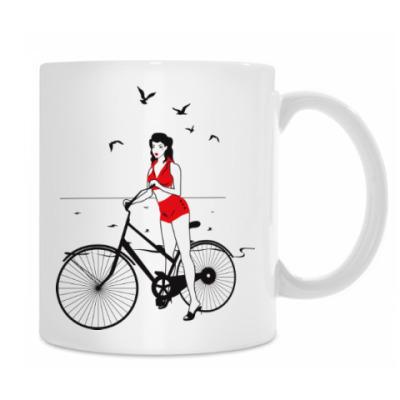 Девушка с велосипедом в стиле пин ап