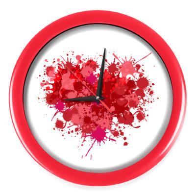 Настенные часы Сердце из брызг краски