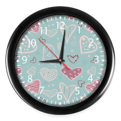 Настенные часы Узор из сердец, валентинки