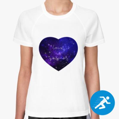 Женская спортивная футболка Любовь - это космос, сердце