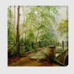 Старый мост в лесу