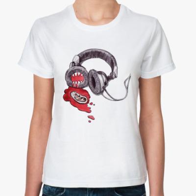 Классическая футболка наушники